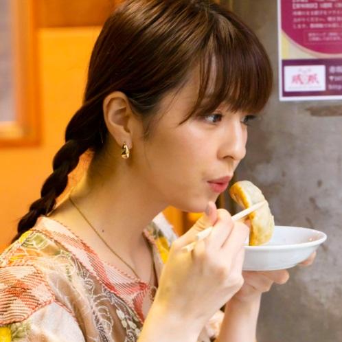 「おいしさと幸せの満足感がすごい!」女優・柳ゆり菜と訪れる『赤坂珉珉』(赤坂)